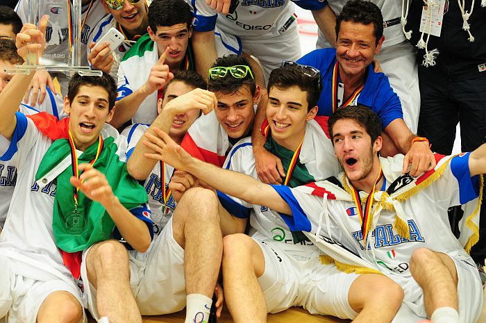 AST2014-Italy-700